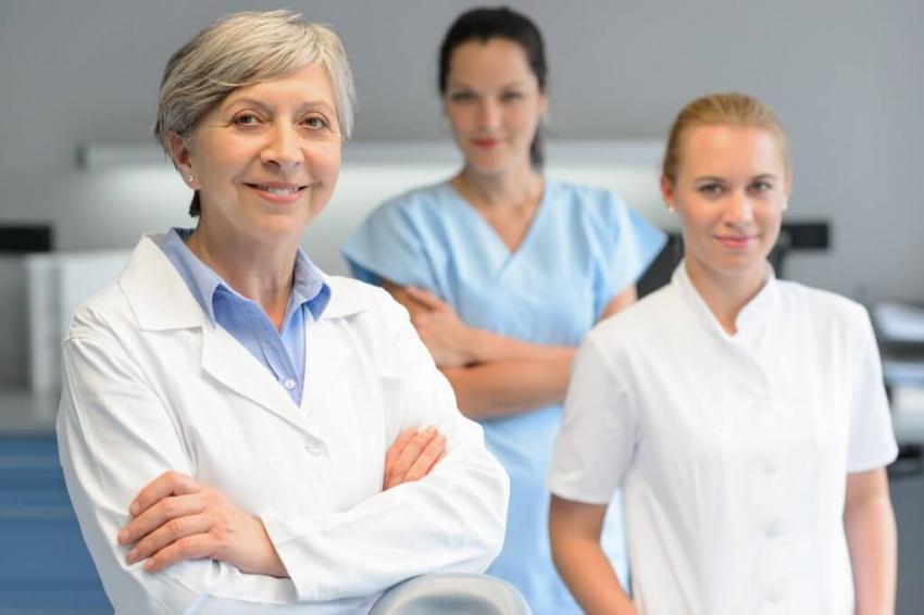 Na Dzień Kobiet o kobietach w stomatologii: dawniej i dziś