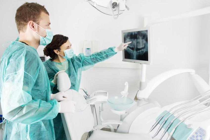 Suchy zębodół – przykra dolegliwość po ekstrakcji zęba