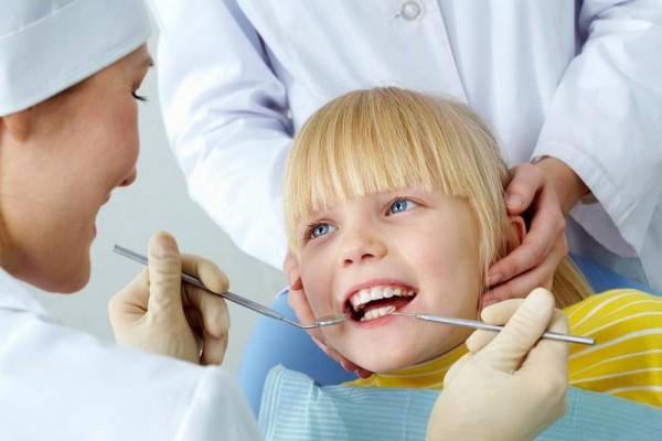 Szkolna opieka stomatologiczna bez higienistek?