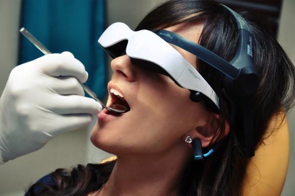 Okulary 3D walczą z dentofobią