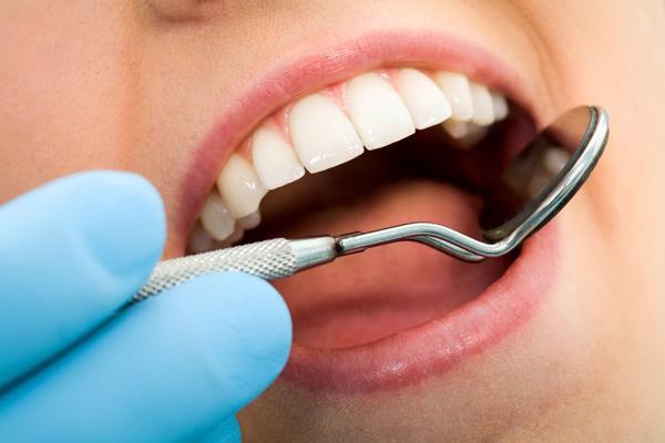 Brodawczak w jamie ustnej – zmiana łagodna czy groźna?