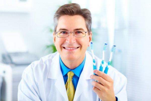 Higienista stomatologiczny czy higienistka