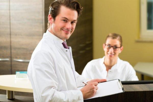 Samorząd o zarobkach lekarzy – relacja z konferencji prasowej