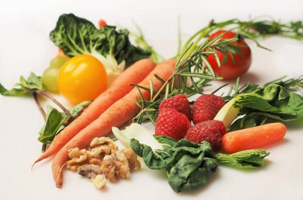 Właściwa dieta a zdrowie jamy ustnej: kluczowe składniki mineralne