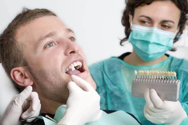 Ukruszony ząb – koniecznie trzeba go leczyć!