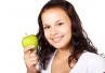 7 produktów, które warto jeść dla zdrowia i urody zębów