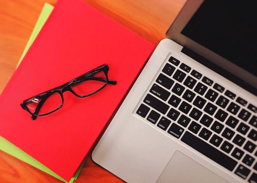Szkolenia on-line – czy warto z nich skorzystać? Rozwiewamy wątpliwości!