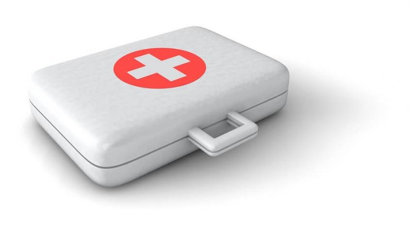 Krwotok z nosa u pacjenta w gabinecie – zasady pierwszej pomocy