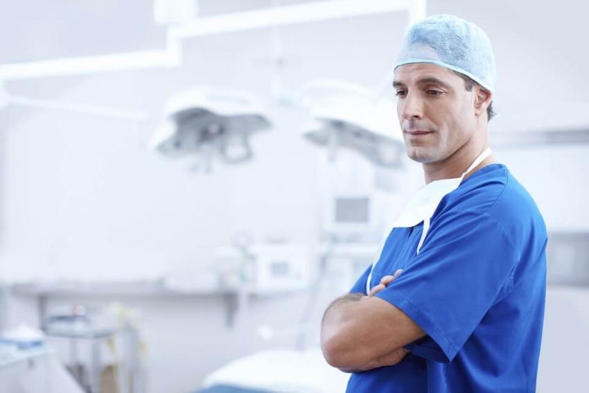 Polscy lekarze są przepracowani – rozmowa z Jerzym Jakubiszynem z NRL