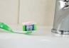 Abrazyjne działanie past do zębów - jakie produkty polecać pacjentom?