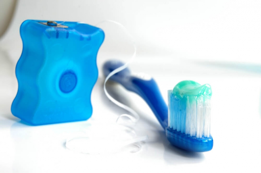 Jak leczyć zapalenie dziąseł? Poradnik dla asysty stomatologicznej