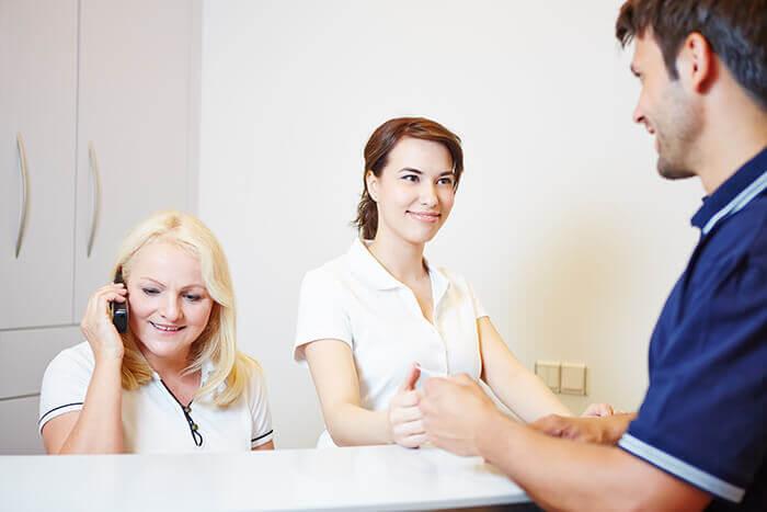 Recepcja w gabinecie stomatologicznym – klucz do sukcesu