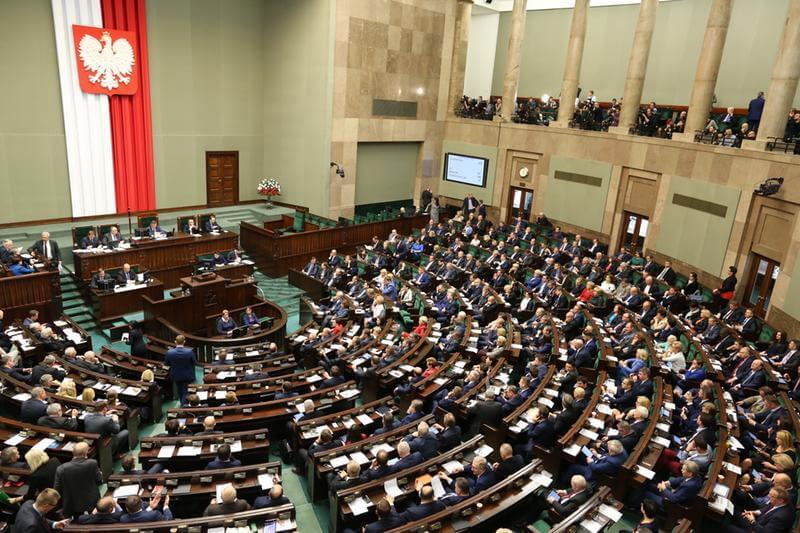 Ustawa o POZ przyjęta przez Sejm – pacjenci nie będą płacić za świadczenia