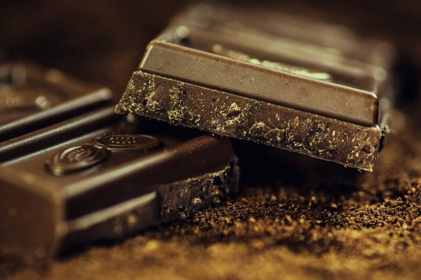 Czekolada może być zdrowsza dla zębów – odkrycie naukowców firmy Nestle