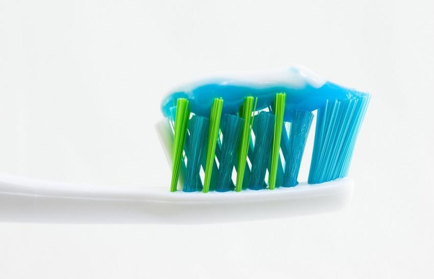 Pasta do zębów wzbogacona witaminą B12 korzystna dla wegan