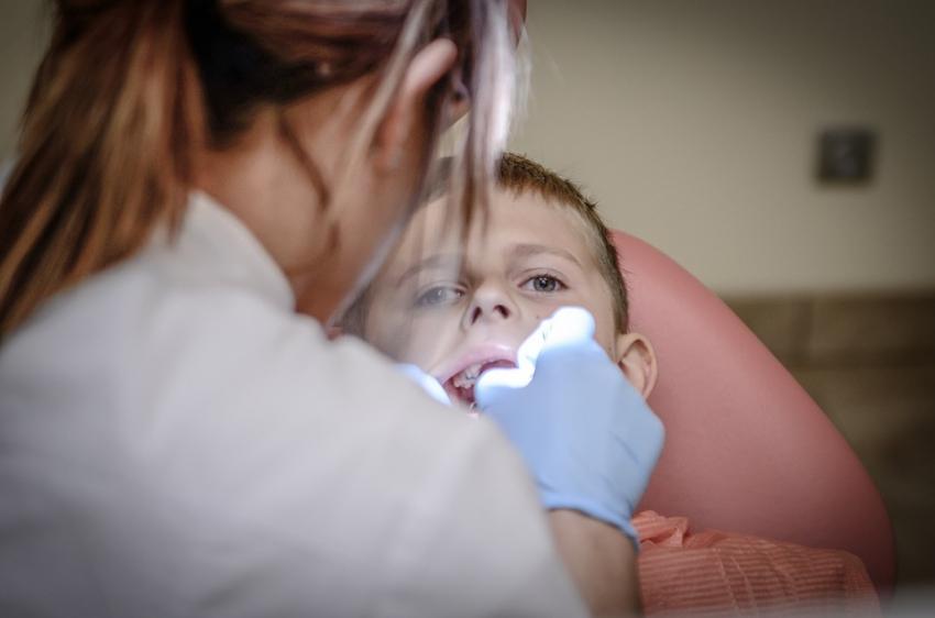 Jakie znieczulenie dla dziecka? Wywiad z prezesem PASD Michałem Sobczakiem