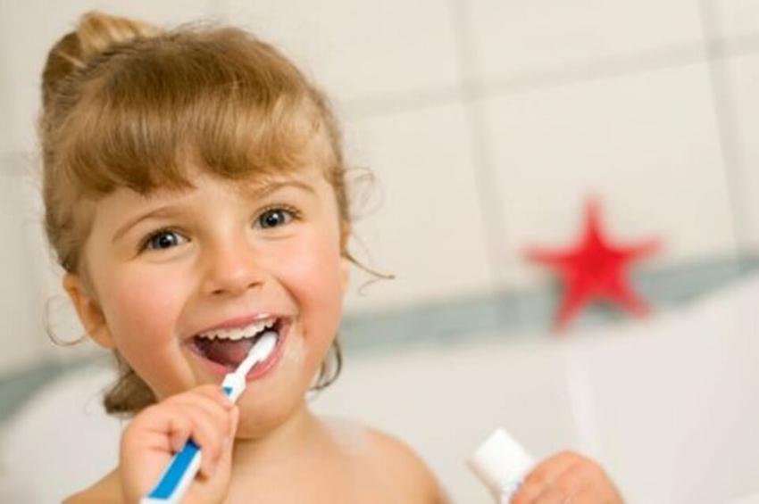 Przeglądy stanu zdrowia jamy ustnej u dzieci w Opolskiem