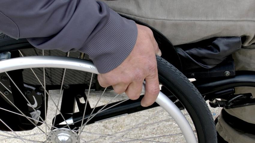 Potrzebna lepsza opieka dla osób ze stwardnieniem rozsianym