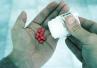 Amorfizacja poprawi działanie leków? Trwają badania polskich naukowców