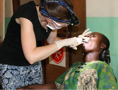 Ekstrakcja zębów u Abisa