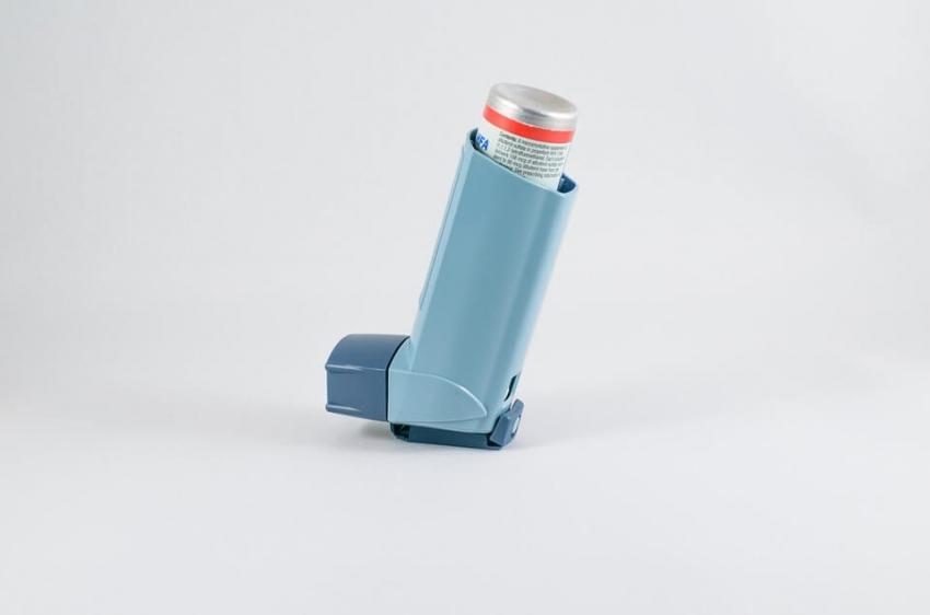 Astma znacznie zwiększa ryzyko wystąpienia chorób przyzębia