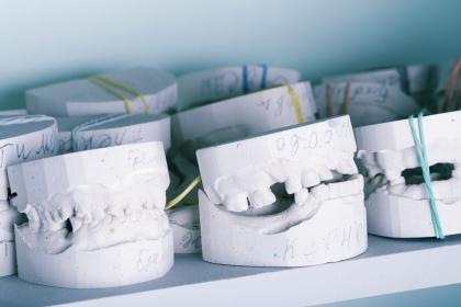 Implanty żuchwy z drukarki 3D