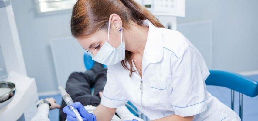 Dyskomfort pacjenta po skalingu? Przypadek z forum Dentonetu