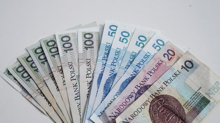 BIG InfoMonitor: Lekarze dentyści pożyczają i spłacają jak mało kto