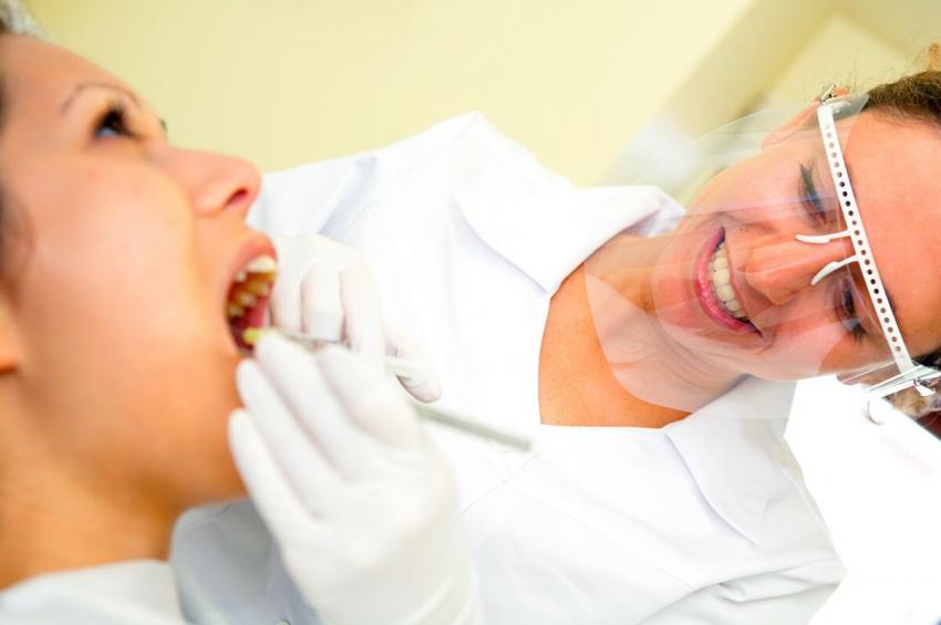 UM Poznań: studenci stomatologii dla licealistów z regionu