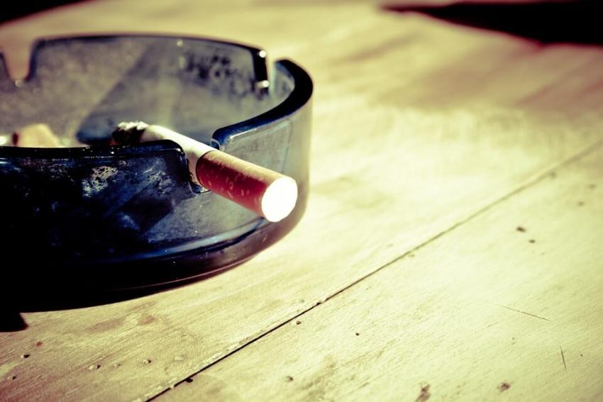 Bierne palenie zwiększa ryzyko próchnicy u niemowląt i dzieci
