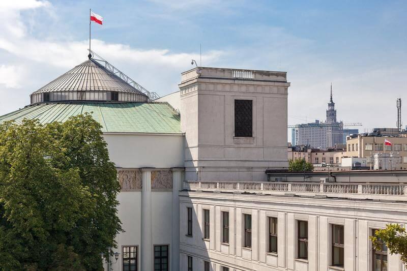 Sejmowa debata o stomatologii z udziałem lekarzy i posłów