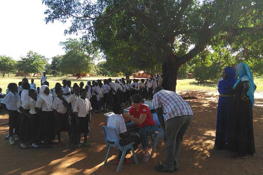 Polska Misja Medyczna leczy stomatologicznie w Tanzanii