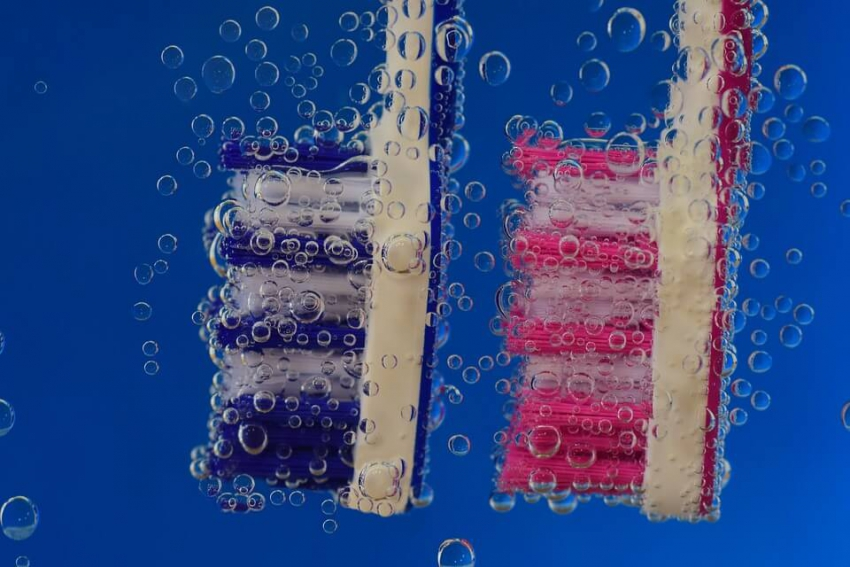Szczoteczka z odgłosami mycia