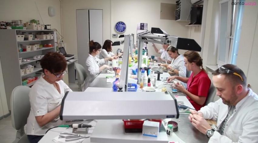 Przywracamy uśmiech z Kol-Dentalem – Wiola [video]