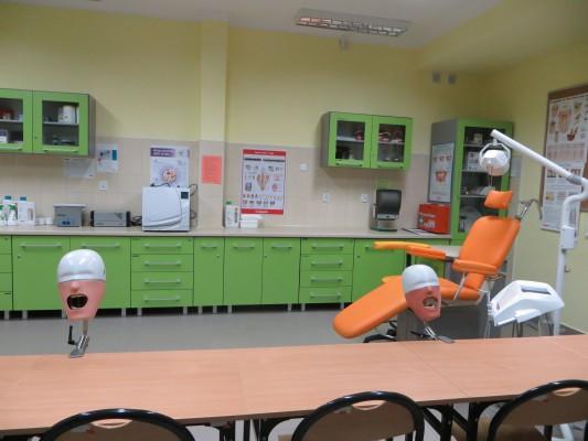 Egzaminowane asystentki stomatologiczne