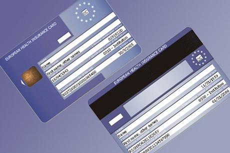 Wakacje za granicą – zabierz ze sobą kartę EKUZ