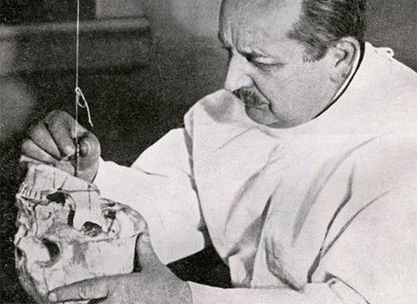 Prof. Antoni Cieszyński – twórca polskiej stomatologii