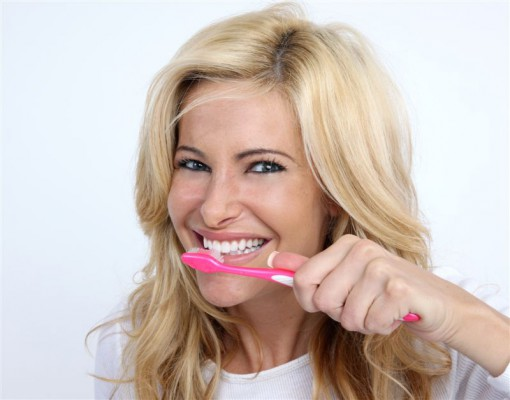 Szoruj zęby, ale delikatnie!