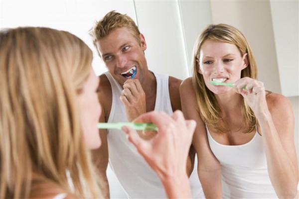 Coraz popularniejsze wybielanie zębów