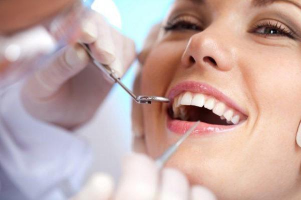 Podpisano deklarację w sprawie poprawienia zdrowia jamy ustnej Polaków