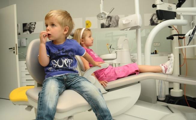 Kiedy iść z dzieckiem do dentysty? Pierwsza wizyta jest najważniejsza