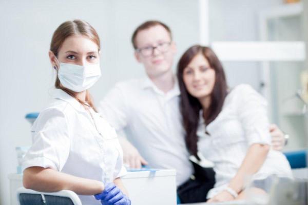 Zespół w gabinecie stomatologicznym to nie tylko lekarz i asystentki