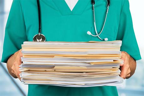 Rozporządzenie w sprawie dokumentacji medycznej: konieczne są poprawki