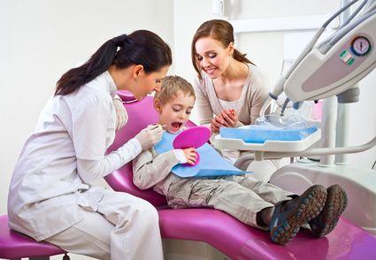 Jak postępować, aby dziecko nie bało się dentysty?