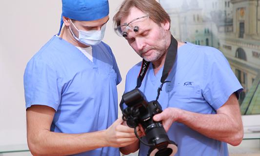 FOTOGRAFIA i FILM W STOMATOLOGII – Moda, fanaberia czy wymierna korzyść dla lekarza i pacjenta?