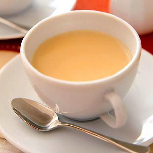 Herbata z mlekiem ułatwi pracę higienistkom stomatologicznym?