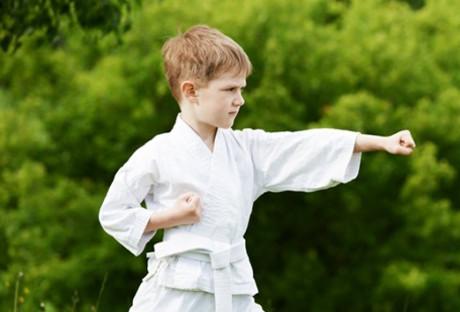 Szyny ochronne dla małych sportowców
