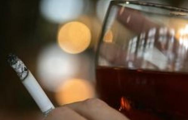 Wróg ten sam – alkohol i papierosy
