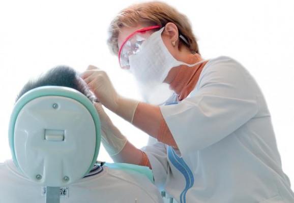 Kobiety bardziej boją się dentysty
