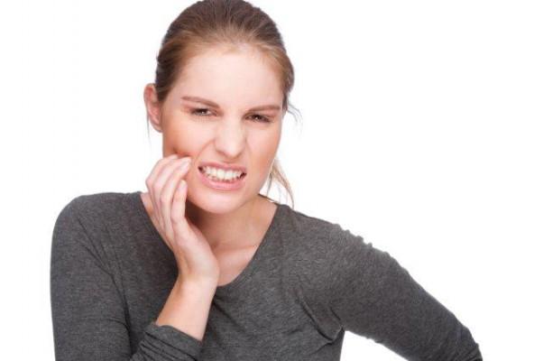 Suchy zębodół – powikłaniem po ekstrakcji